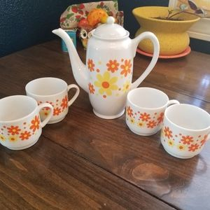 🌼Vintage Flower Power Coffee Pot Set